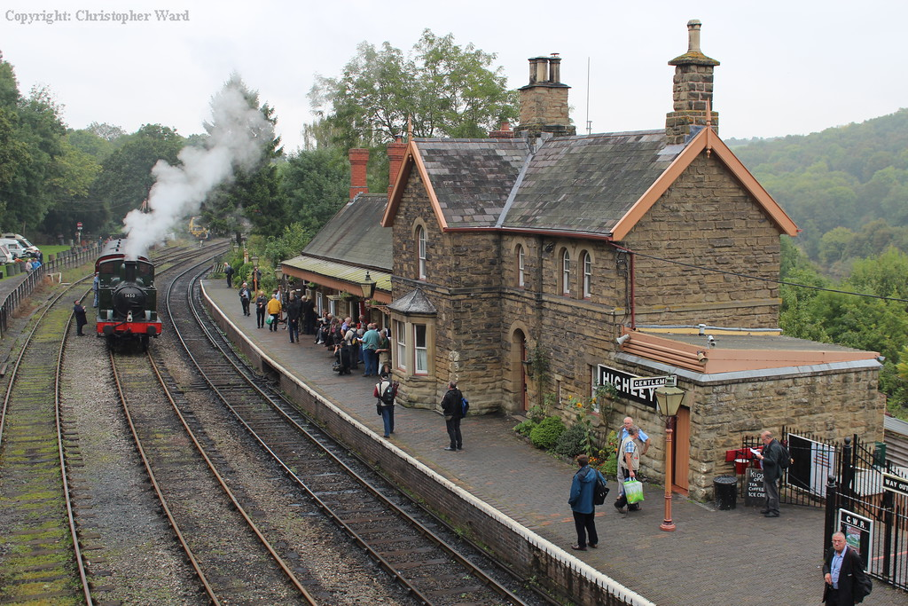 1450 is lost against the impressive station building