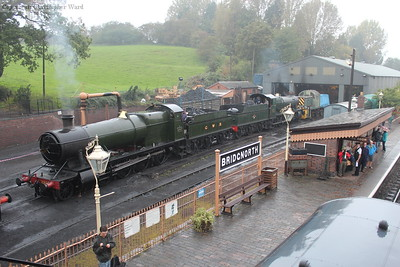 2857 and 7812 sit on shed as standby engines, awaiting their chance to play overnight