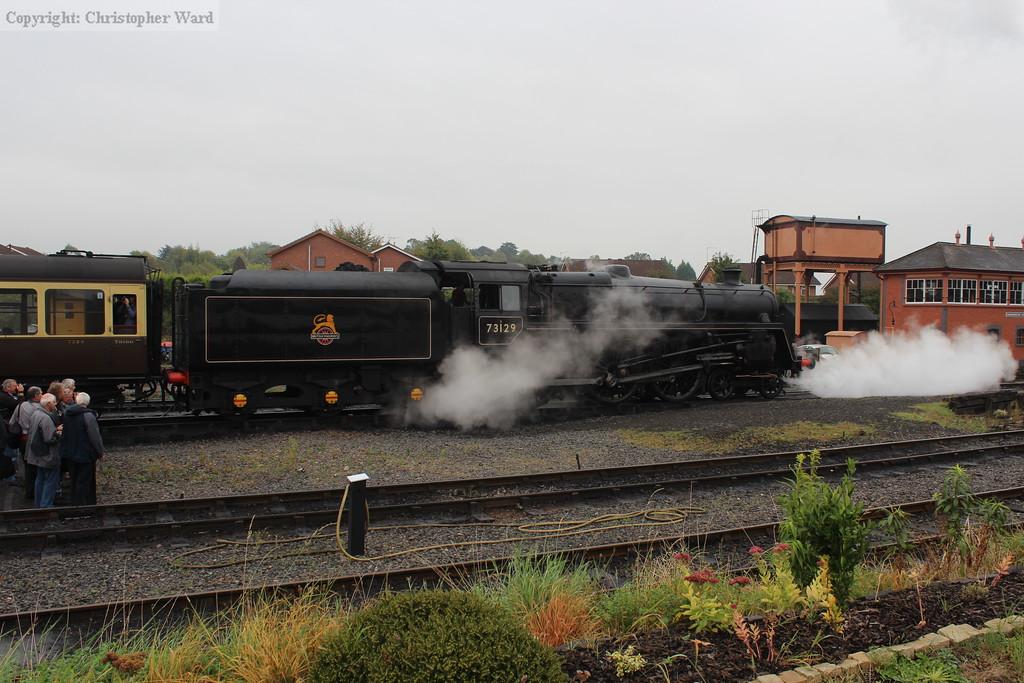 73129 backs onto the GWR stock