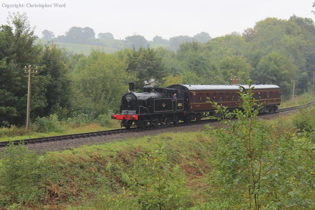 The M7 approaches with the shuttle from Arley