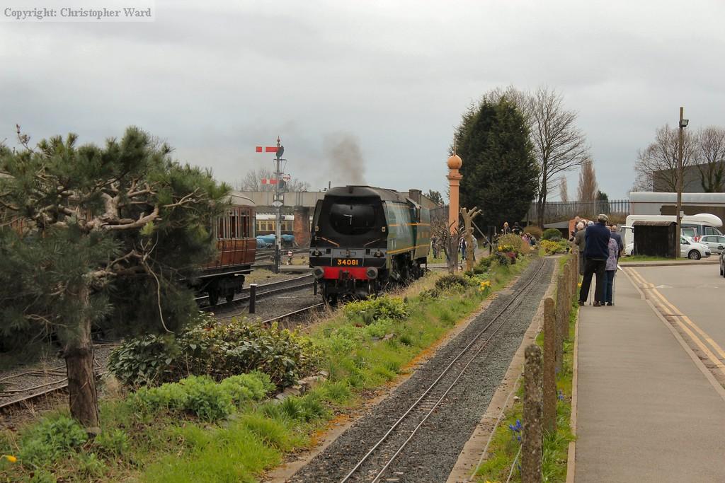 34081 sets back through Kidderminster loop