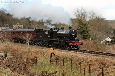 53808 pulls away from Highley with another train