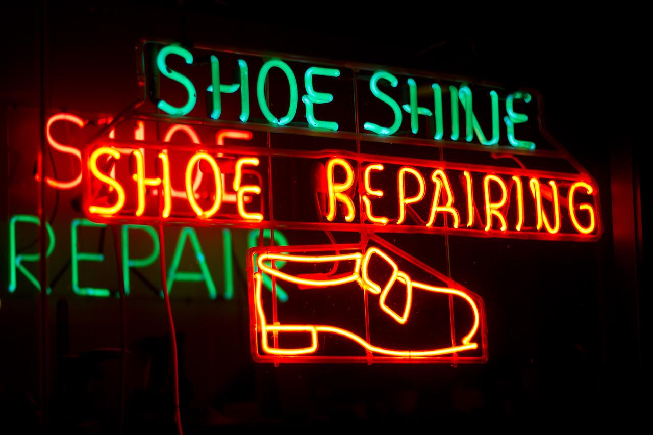 Neon Reminders
