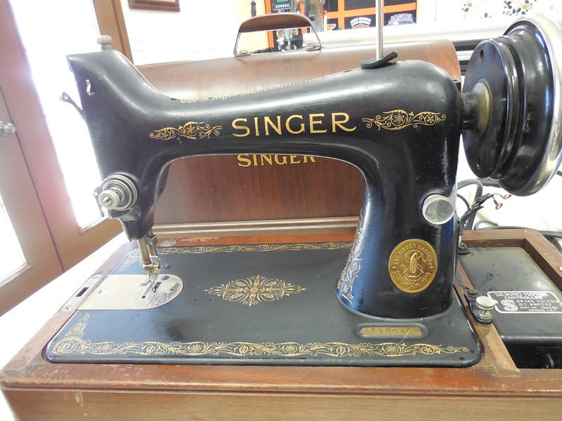 Singer model 99