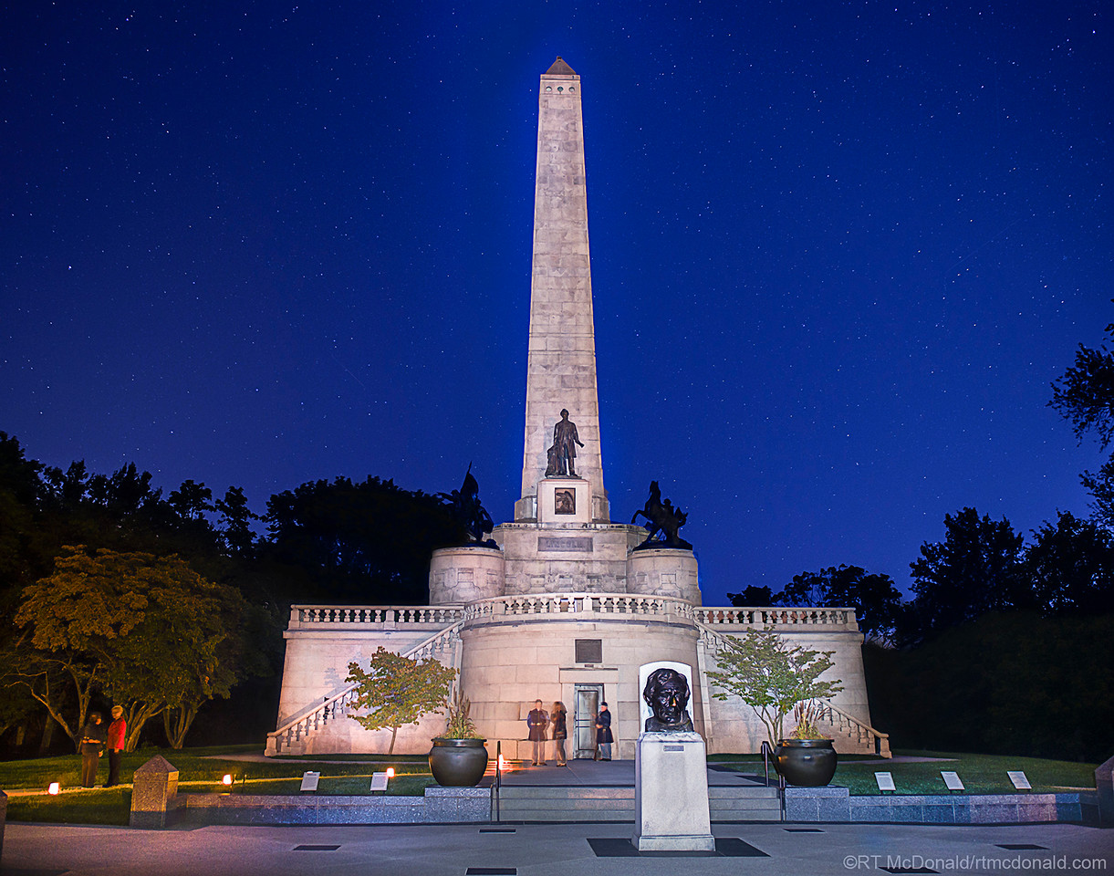 Lincoln Tomb Light-Painted