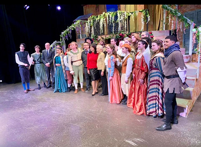The cast of MCC students, with Joyce Kulhawik and Nancy Donahue, front and center