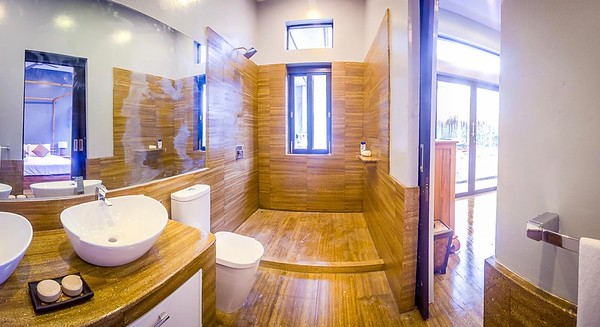 Shamballa Pool Villa ensuite bathroom