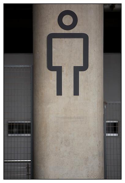 Mens toilet FI circuit