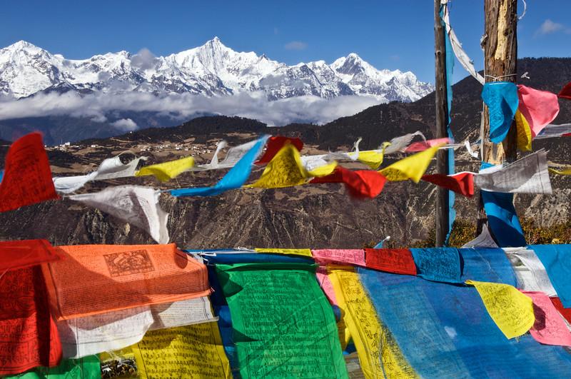 Vue sur la chaîne du Khawa Karpo (6740 m). Province du Yunnan/Chine