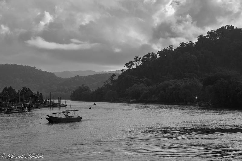 Kampung Bako, Black and White