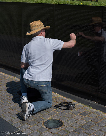 Finding a Name, Vietnam Memorial