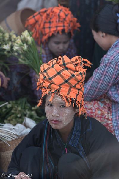 Intha Women at Market