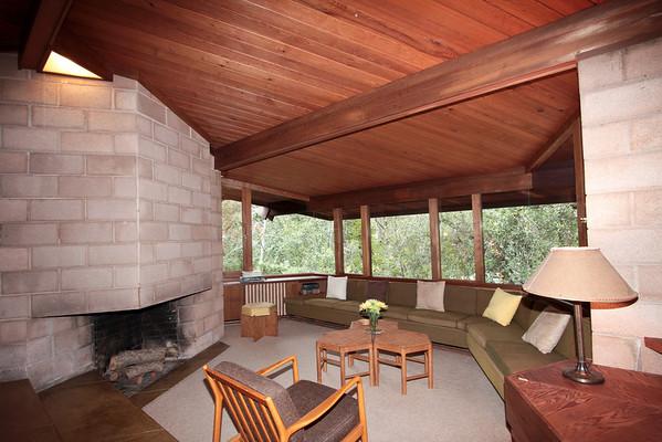 553 Gerona Rd, Stanford