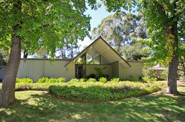 922 Lathrop Place, Stanford