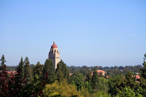 858 Lathrop Dr, Stanford