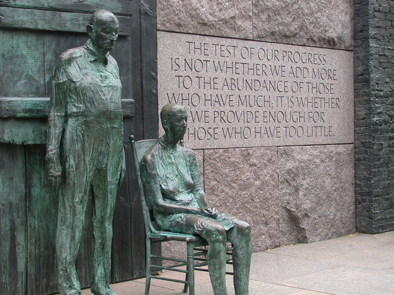 Farm Couple, Great Depression sculpture by George Segal at the Franklin Delano Roosevelt Memorial, Washington D.C.