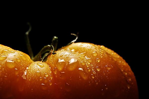 yellowed tomato