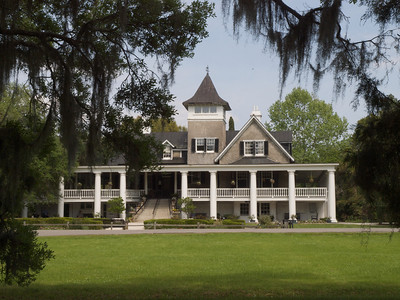 The Magnolia Plantation, along the Ashley River, was and remains the Drayton family ancestral home since 1676.