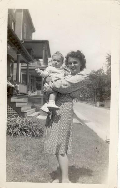 1942 May<br /> Dean Fredrick Echenberg Age 7 mo