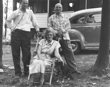Tom Echenberg, Naomi and Charles, 1950 drummondville
