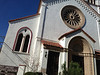 We liked the white on the church here - white, but not blindingly white. (The First Methodist @ Anapamu & Garden)