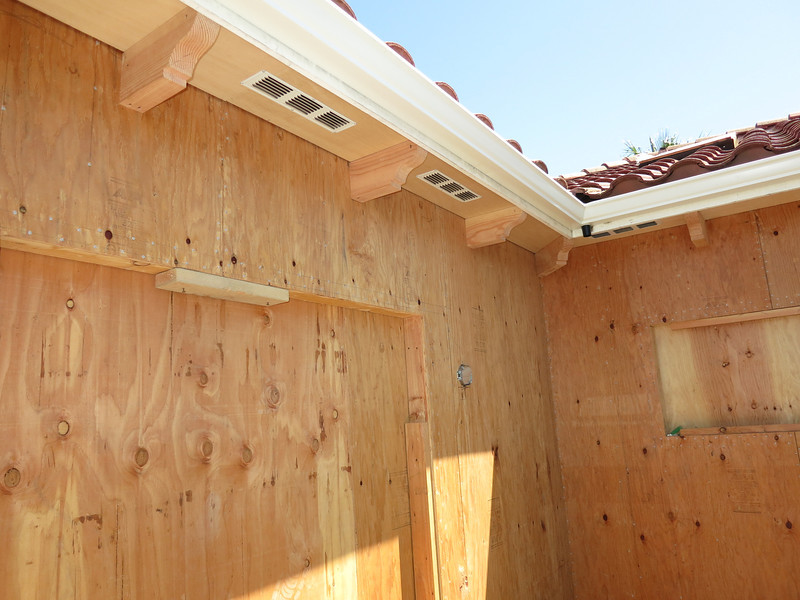 Eave beems on the deck