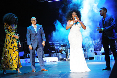 Sheryl Lee Ralph & Family at her 26th Annual Divas Simply Singing Gala at the Dell Music Center in Philadelphia, PA