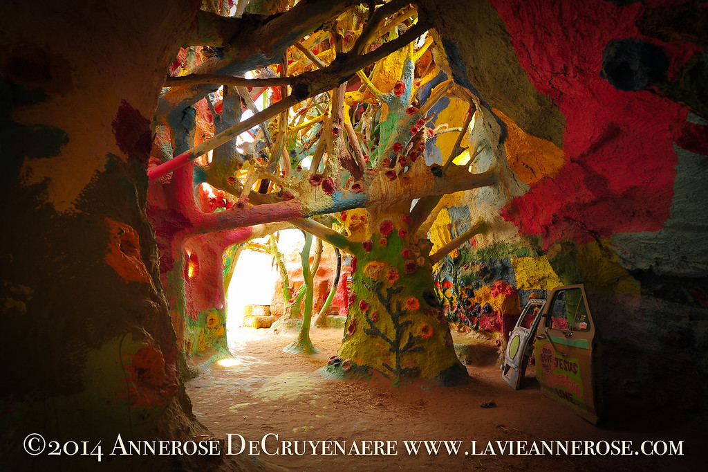 Salvation Mountain Grotte