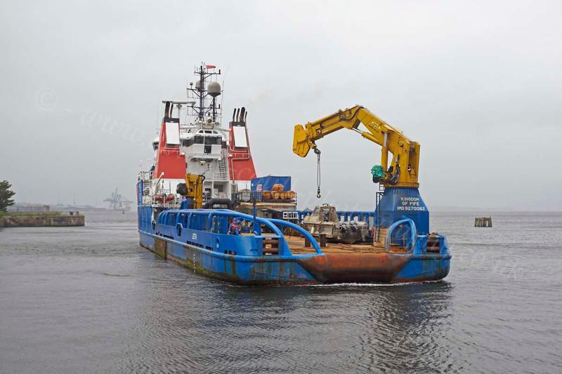 Kingdom of Fife Reversing Into James Watt Dock - 22 July 2012