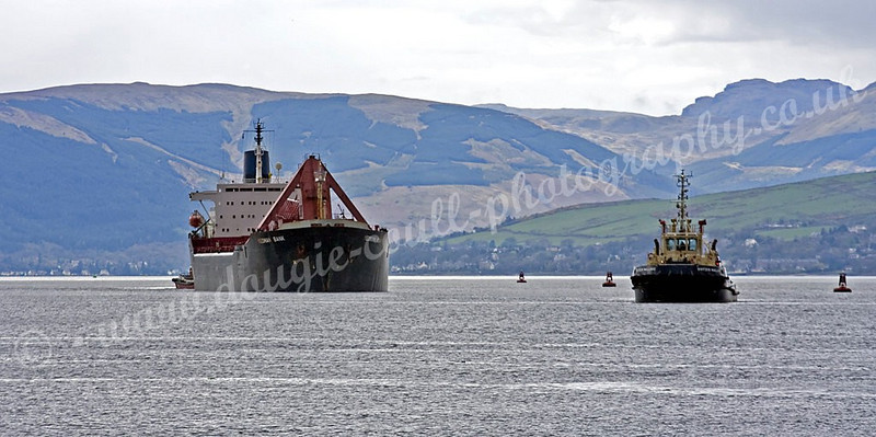 Yeoman Bank approaches Port Glasgow