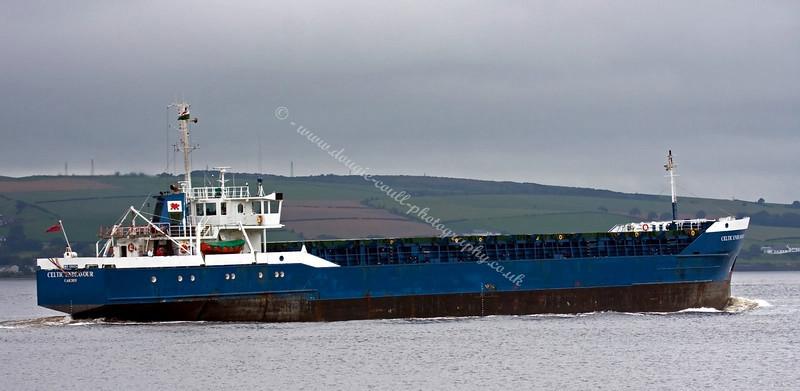 Celtic Endeavour - Heading Upriver to Glasgow