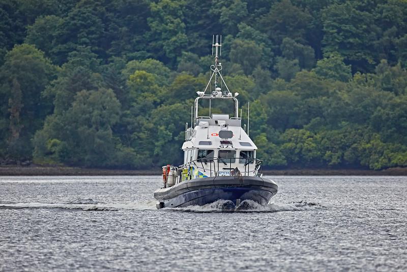 MOD Police Boat 'Jura' off Rhu Spit - 18 July 2016