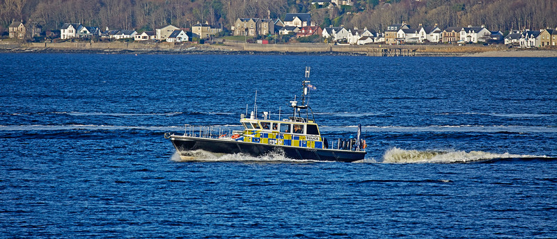 MOD Police Boat 'Condor' off Cloch Lighthouse - 27 December 2017