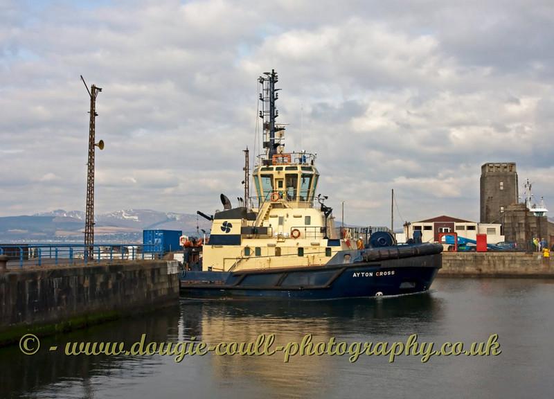 Svitzer Tug Ayton Cross - Enters James Watt Dock - Greenock