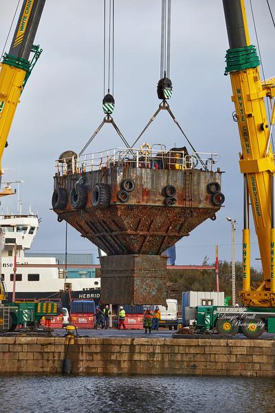 Barge Uplift at  James Watt Dock - 13 November 2020