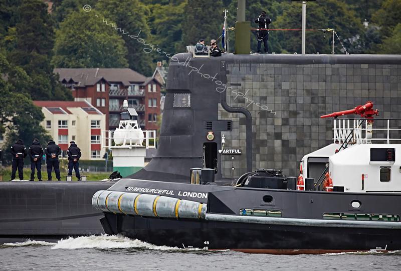 'SD Resourceful' escorting 'HMS Artful' at Rhu Spit - 19 August 2015