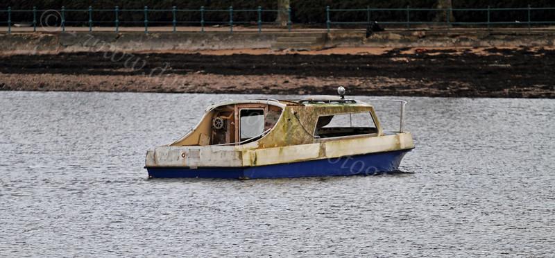 Sunken Boat - Cardwell Bay - 1 January 2012