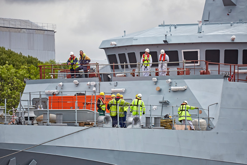 Pilot and Yard Workers on the 'HMS Forth'  - 21 August 2016
