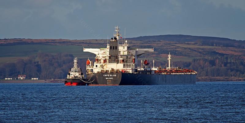 'Cape Elise' off Bute - 16 February 2014