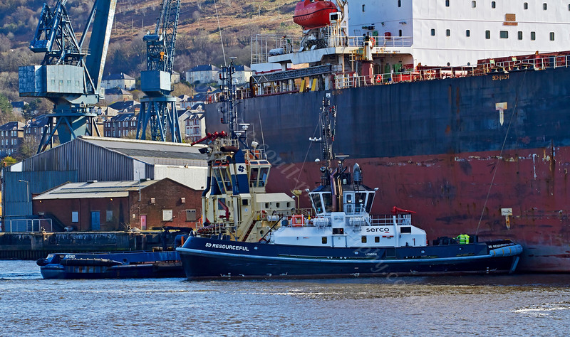 'SD Resourceful' and 'Anglegarth' assist the 'Cape Elise' to Depart Inchgreen Repair Quay - 23 March 2014