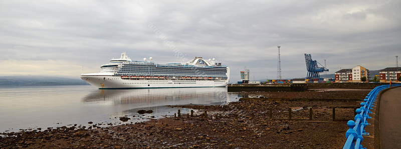 'Ruby Princess' off Greenock Ocean Terminal - 16 May 2014