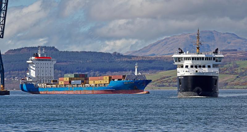 'MV Finlaggan' passing 'Hanse Courage' at Greenock Ocean Terminal - 6 April 2014