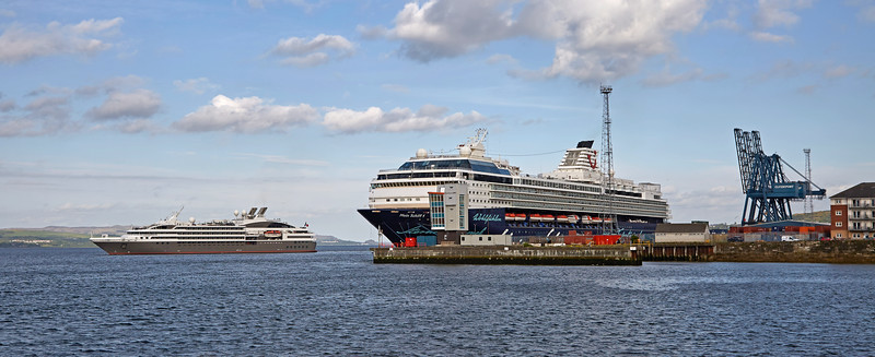 'L'Austral' Departs with 'Mein Schiff 1' Berthed - 25 May 2016