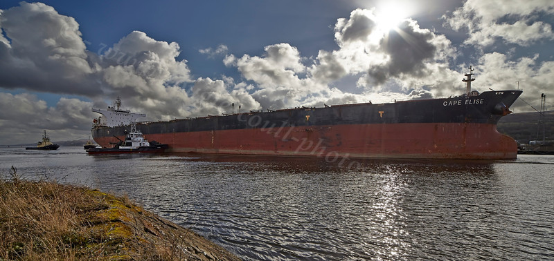 'Cape Elise' Approaching Inchgreen Repair Quay - 1 March 2014