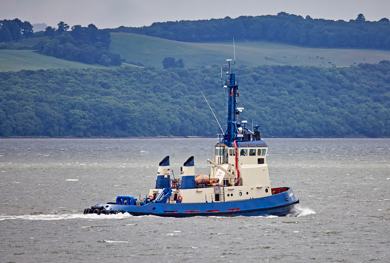 Tug 'Carron' off North Queensferry - 1 July 2016