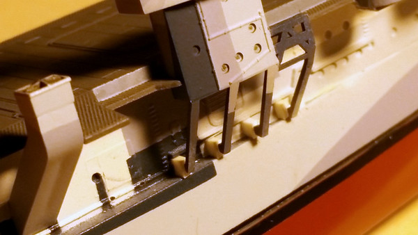 180123 CVL-23 Adding landing blocks for Island support braces (because the kit part didn't reach the hull)