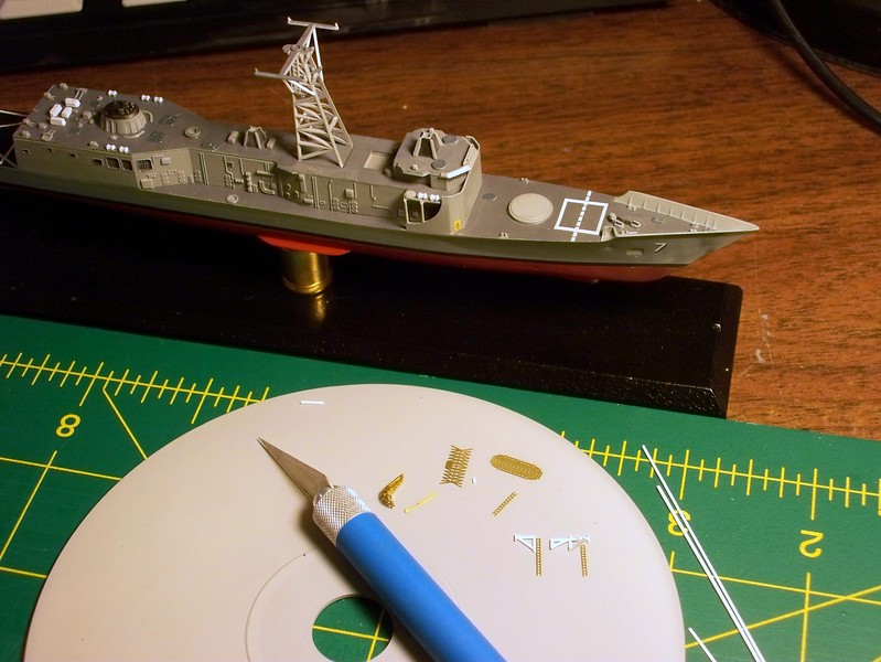 101107 FFG-7; sprucing up the mast; scratching details for replacement fwd bulkhead.