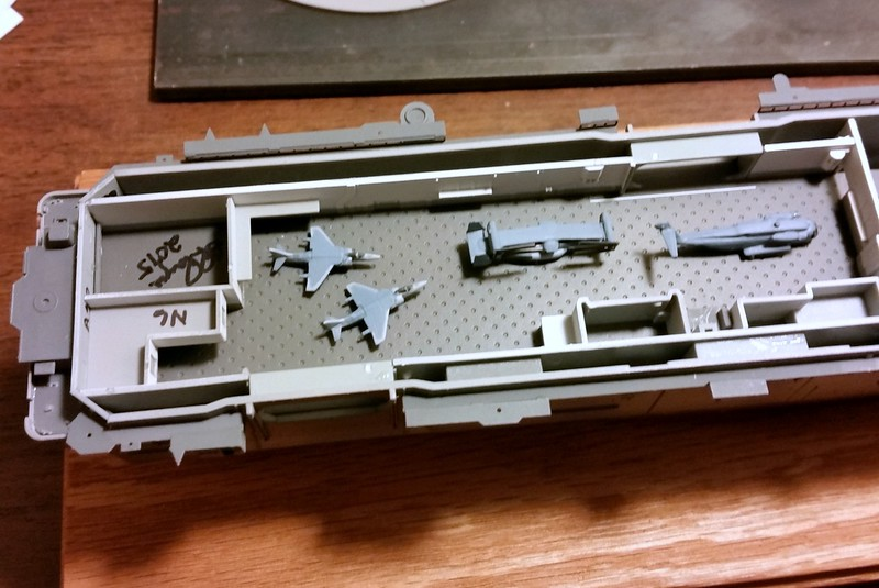 150925: LHD-5 Aircraft hangar.  Nice detail, but you won;t be able to see a thing!  Kit aircraft.