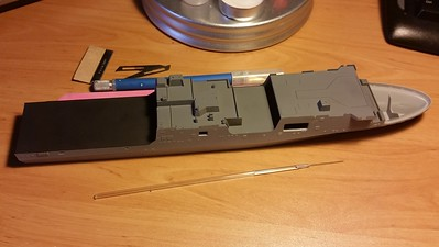 141207: LPD-17 Initial assembly.  There are four kit parts in that picture: lower and upper hull, and the two boat wells.