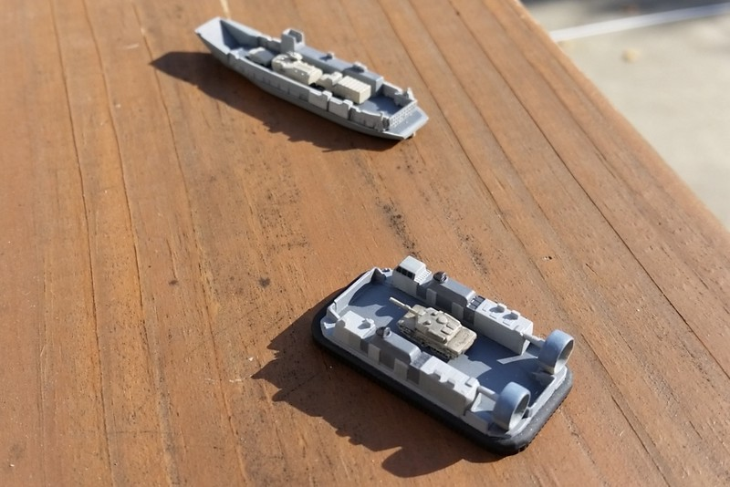 151212: LCAC in 1/700 (from Hobbyboss LHD kit))